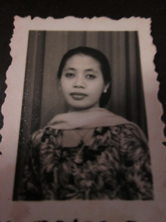 Mbah Putri Azizah, gemar memasak dan menjahit