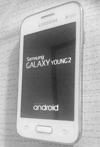 HP Samsung Galaxy Young 2 yang saya beli dengan cerita mengharukan di baliknya. (foto: dok.pribadi)