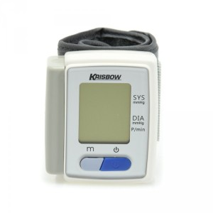 Tensimeter digital: mengukur tekanan darah dengan cara lebih praktis, cukup membalutkan lengan dengan kain manset. (foto sumber: ruparupa.com)