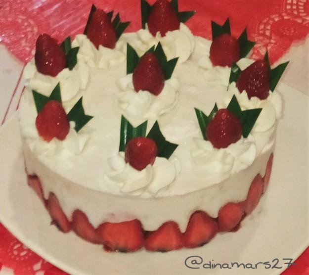 Cake merah putih a la Ibu Sisca Suwitomo dibuat menggunakan mixer Philips Indonesia. (foto sumber: dok.pribadi)