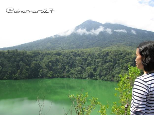 Banyak cerita mistis yang beredar seputar Danau Tolire yang kedalamannya tidak diketahui hingga kini. (foto: dok.pri)