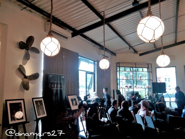 Suasana The Hook Restaurant jelang Konferensi Pers Film Chrisye, 21 September 2016. (foto: dok.pri)