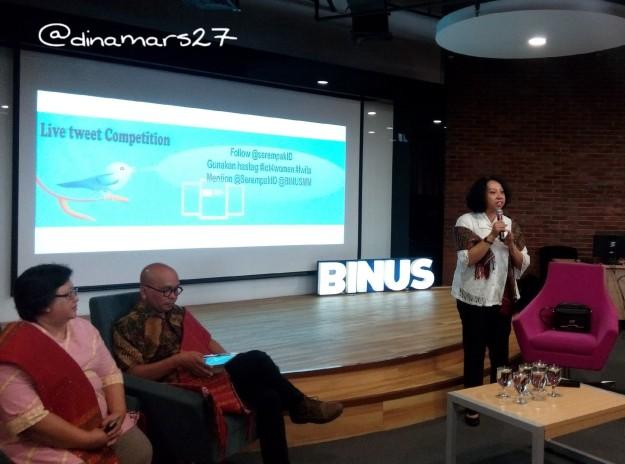 Ibu Ratna Susianawati dari Kementerian Pemberdayaan Perempuan dan Perlindungan Anak meminta para blogger untuk menyebarluaskan informasi mengenai portal Serempak.id agar perempuan berani bersuara. (foto: dok.pri)