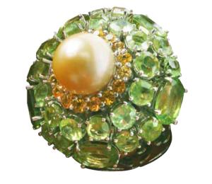 Imperial Gold Pearl, Ratu-nya Mutiara Laut Selatan yang berwarna keemasan, disebut sebagai mutiara berkualitas paling tinggi di antara mutiara lainnya. (foto: dokumen Kemenperindag)