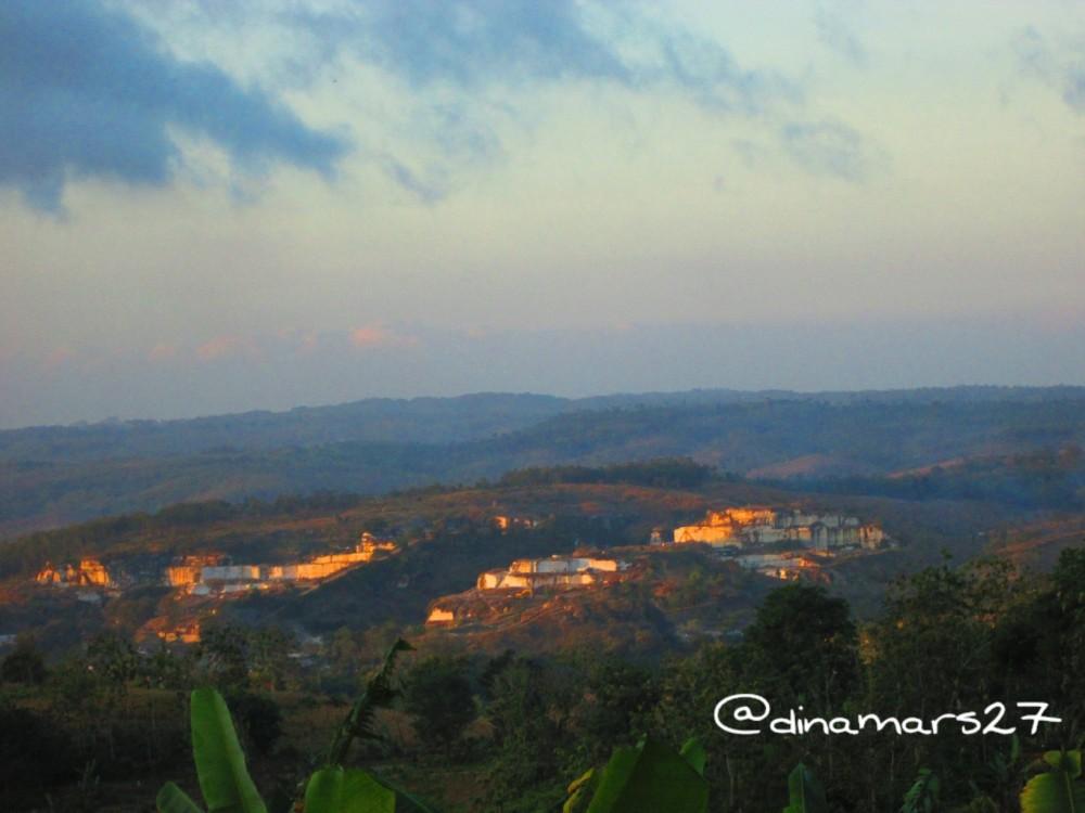 Lereng bukit marmer di Tulungagung. (foto: dok.pri)