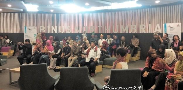 Para blogger berkumpul dalam acara yang digagas oleh Kementerian Pemberdayaan Perempuan dan Anak serta portal Serempak.id dalam rangka Hari Blogger Nasional, 27 Oktober 2016. (foto: dok.pri)