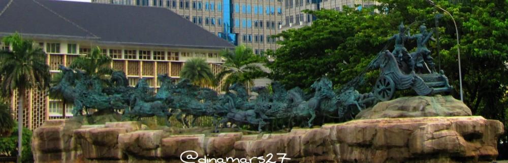 patung Arjuna yang menarik kuda menyimbolkan kemenangan, disebut Arjuna Wijaya, dibangun tahun 1987 oleh mendiang Presiden Soeharto. (foto: dok.pri)