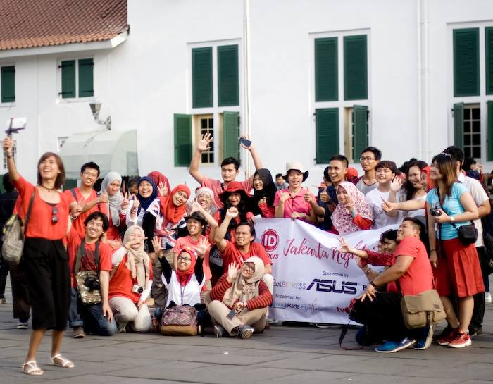 Rombongan ID Corners menikmati jelajah ibukota Jakarta dengan cara baru ;) ! (foto: Ulu - Bandung Diary)