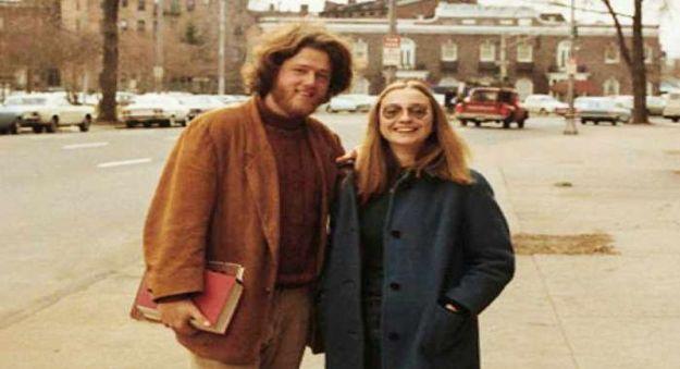 Hillary dan Bill Clinton ketika keduanya masih menjadi mahasiswa. Hillary banyak membantu Bill dalam membuat kebijakan politik publik. (foto sumber: thefederalistpapers.org)