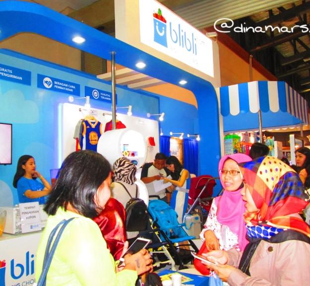 Booth Blibli di pameran IMBEX 2016, menawarkan berbagai promo menarik bagi para pengunjung. (foto: dokpri)