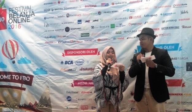 MC Presscon FBO 2016 Rhesa dari Asmaraku.com dan Indah Rahmawati dari MUAHunter.com (foto: dokpri)