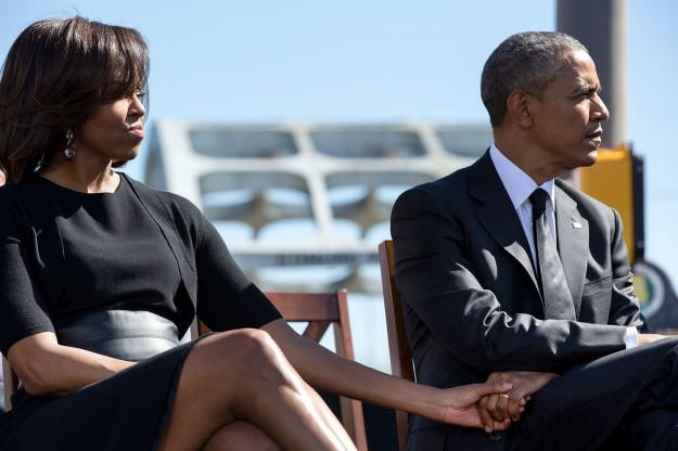Michelle pertama kali bertemu Barrack Obama pada saat dirinya masih bekerja di Biro Hukum Sidley & Austin. Saat itu, Barrack menjadi mahasiswa magang, dan Michelle menjadi mentornya. Pasangan ini dikenal sepi dari terpaan gosip. (foto sumber: wikipedia.org)