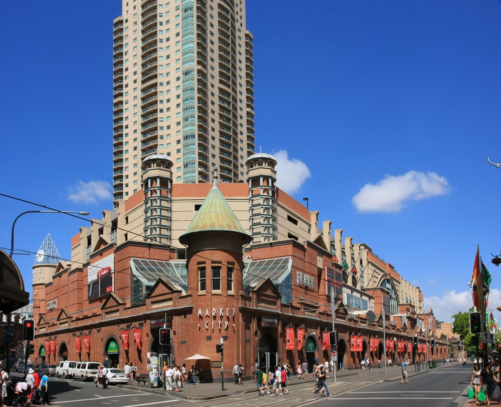 Kalau mau berbelanja oleh-oleh murah-meriah bisa ke Paddy's Market di Sydney, yang juga menjual buah, sayur-mayur dan ikan segar khas Australia. (foto sumber: commons.wikimedia.org)