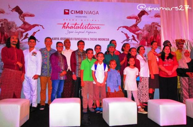 para pemain, produser dan sutradara Drama Musikal Khatulistiwa dalam acara jumpa pers 18 November 2016 di Taman Ismail Marzuki Jakarta. (foto: dokpri)