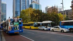 Layanan transportasi publik di kota Sydney seperti bus dalam kota beroperasi selama 24 jam setiap hari. (foto sumber: cityofsydney.nsw.gov.au)