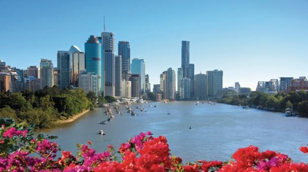 Brisbane, ibukota Queensland dengan pemandangan khas gedung bertingkat serta pantai untuk berselancar. (foto: dok.TEQ)