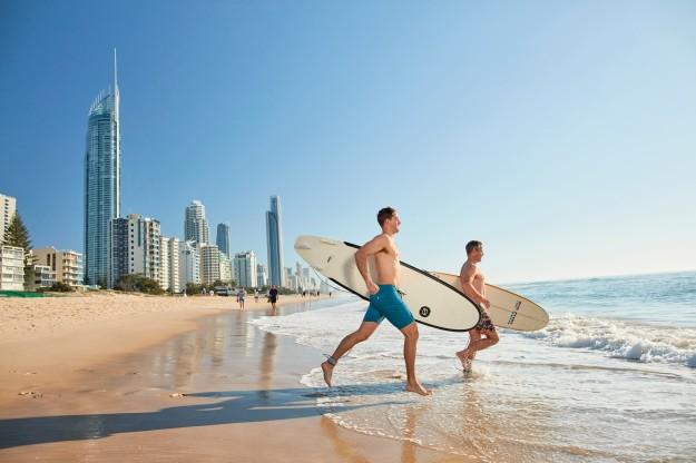 Surfers Paradise, merupakan istilah untuk pantai Gold Coast yang menjadi surga bagi para peselancar. (foto: dok. TEQ)