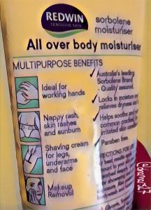 Sorbolene yang manfaatnya multipurpose, bisa untuk bayi, membersihkan make up, bahkan cukur bulu atau jenggot :). (foto: dokpri)