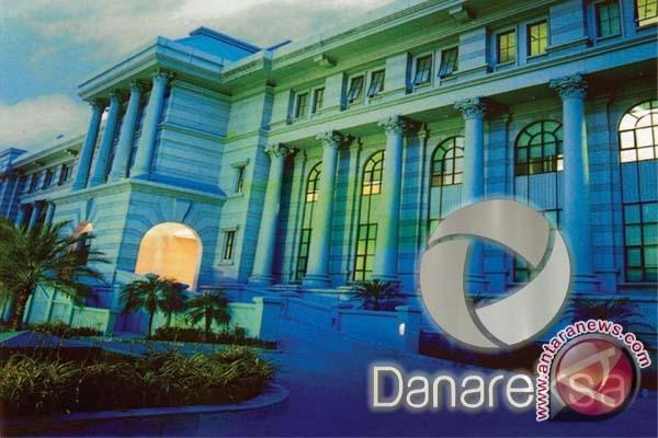 Gedung Danareksa, BUMN non perbankan pertama di Indonesia sejak tahun 1970-an, yang berada di Jl. Medan Merdeka Selatan Jakarta. (foto sumber: website danareksaonline.com)