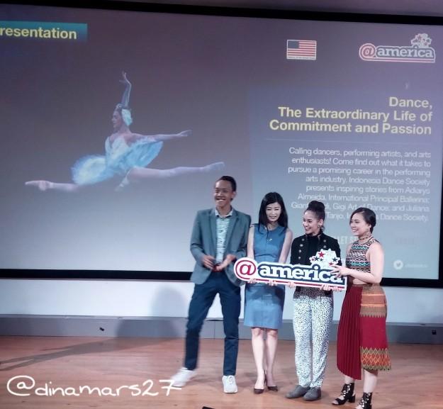 Acara talkshow di AtAmerica yang membahas tentang komitmen dan passion untuk menari balet. Ki-ka: Hadi (MC & dancer), Juliana Tanjo (IDS), Adiarys Almeida (international dancer), Gianti Giadi (Gigi Art of Dance). Foto: dokpri